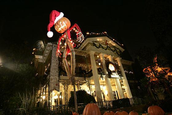 Halloween Time at Disneyland | Disney-°o°-Rama