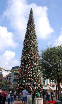 Holiday Activities at Disneyland Resort